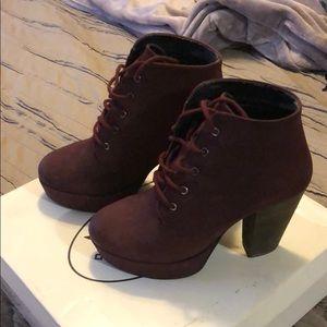 Steve Madden raspy burgundy boots